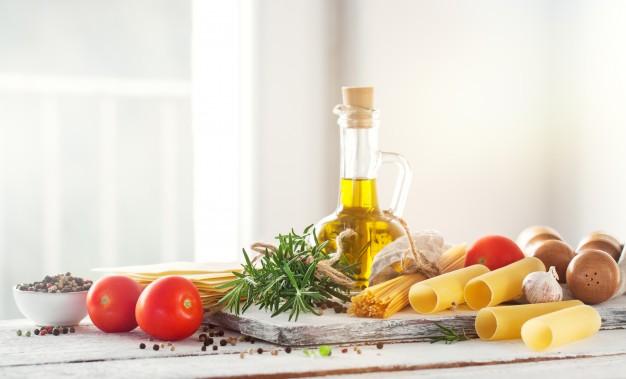 Diferentes aceites tienen diferentes cualidades que los hacen mejores para ciertos usos. Algunos son mejores para hornear, otros para freír y otros para aderezos para ensaladas.
