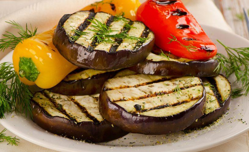 Cocina verduras a las brasas sin que se quemen